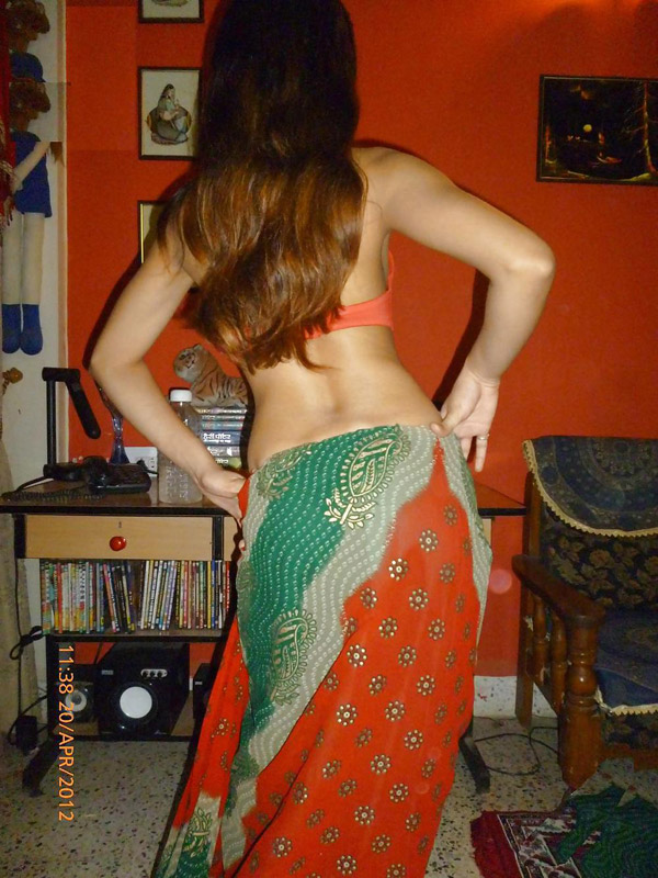 Nude in saree getting