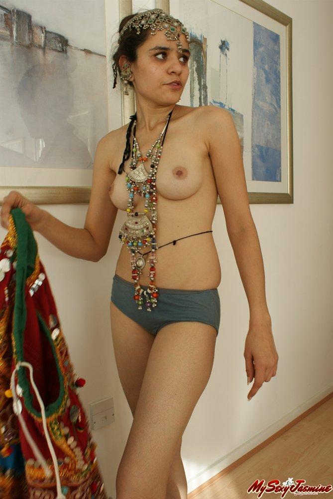 moms-xxx-indian-costume-porn