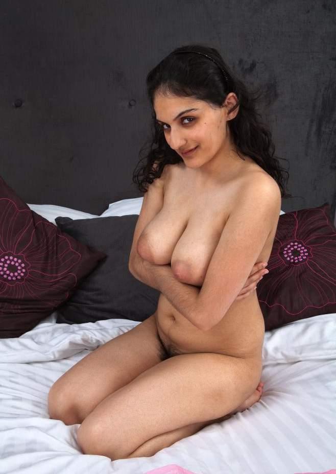 claman-open-nude-desi