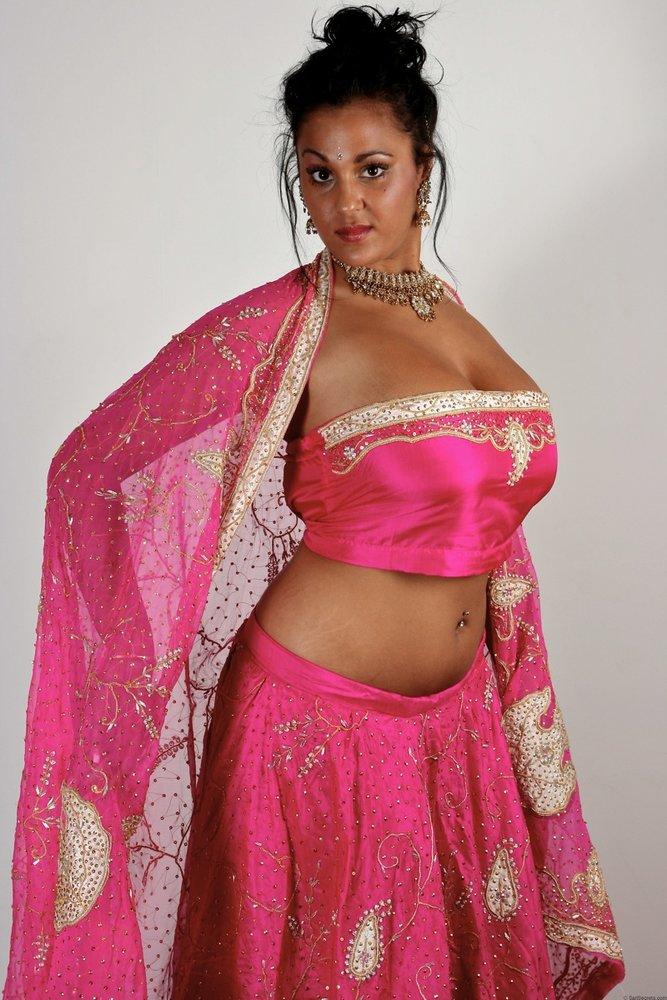 sex-actress-in-ghagra-choli-nude-photos-kong-nude-girl