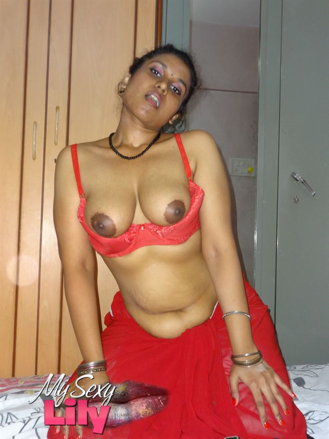 Punjabi indian bigtits bhabhi in shower