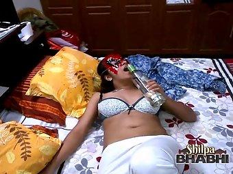 Shilpa bhabhi drunked and fucked hard