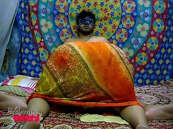 Big ass south indian amateur milf Velamma blowjob