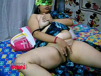 Velamma bhabhi masturbate rubbed her pussy off
